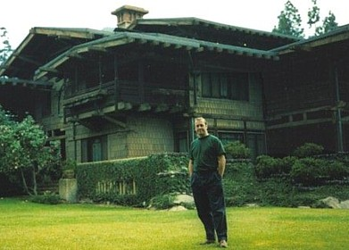 photograph of Ross outside Gamble House, click to go to www.samsons.joinery.co.uk
